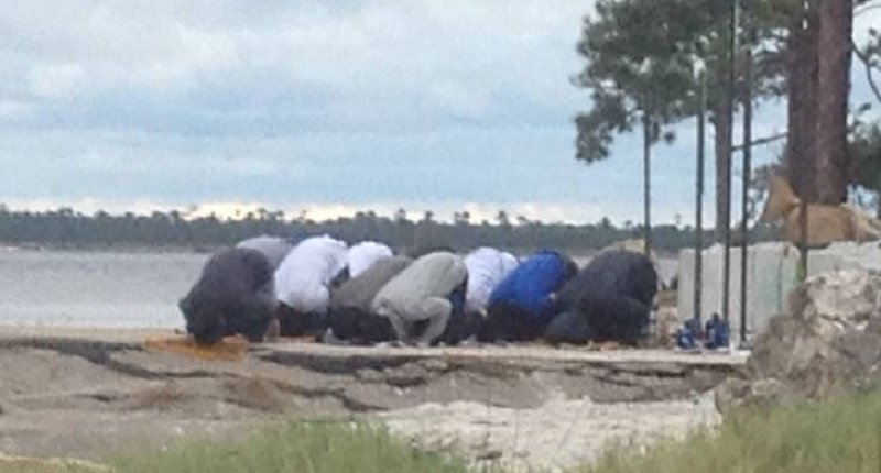 Muslim men praying in Wakulla County (Facebook)