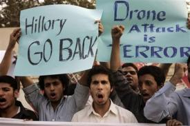 Pakistanis protest Hillary Clinton's visit, demanding an explanation for illegal drone attacks