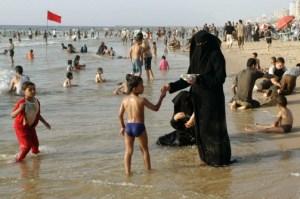 How Wild Anti-Muslim Bikini Stories Spread on the Internet