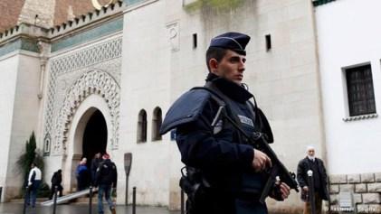 France_Shut_Mosques